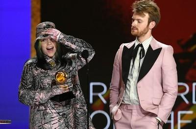 Billie Eilish ganó el récord del año en los Grammy 2021