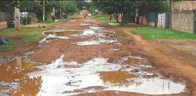 Wiens propone fin de caminos de tierra en CDE