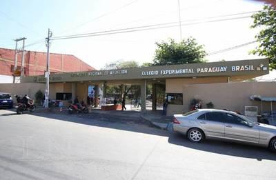 Facultad de Filosofía UNA suspende temporalmente exámenes de ingreso