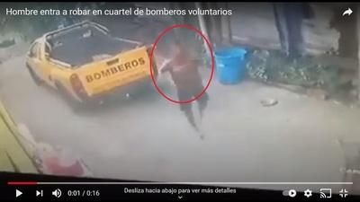 Entró en cuartel de bomberos y robó el celular de una voluntaria