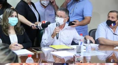 Diputados liberales exponen a otras bancadas libelo acusatorio contra Abdo y Velázquez