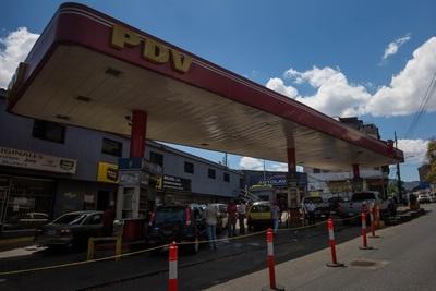 Ganaderos venezolanos buscan una solución a la escasez de combustible