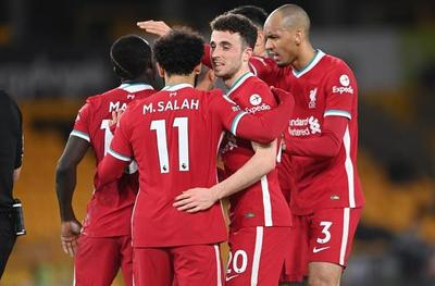 El Liverpool se recupera a costa del Wolves