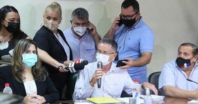La Nación / Liberales acusan a Abdo por mal desempeño de funciones