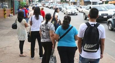 Piden tolerancia a empleadores ante reguladas en el transporte público