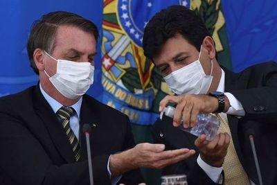 Con Brasil colapsado por el coronavirus, Bolsonaro cambia otra vez de ministro de Salud