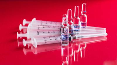Este jueves, la Agencia Europea de Medicamentos dará una conclusión acerca de la vacuna AstraZeneca