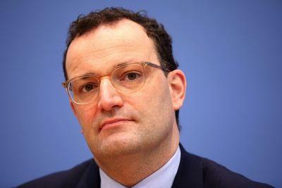 Ministros europeos discutirán sobre vacuna Astra tras suspensión