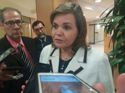 Samaniego anuncia actuará de forma judicial en contra titular de la Asociación Médica del IPS