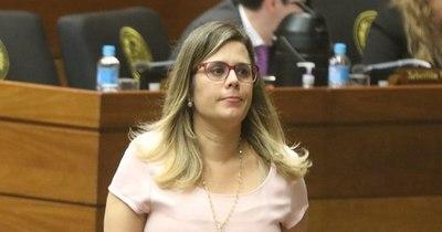 La Nación / Kattya González dejó sin trabajo a 600 familias y expone al Estado a una demanda