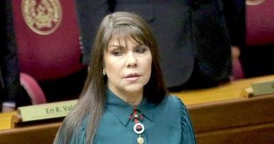 La Nación / Cajonearon denuncia en contra de Celeste Amarilla