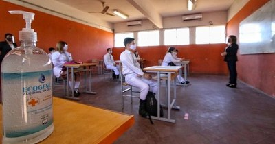 La Nación / En Central se reportan 80 docentes y un estudiante contagiados con COVID-19