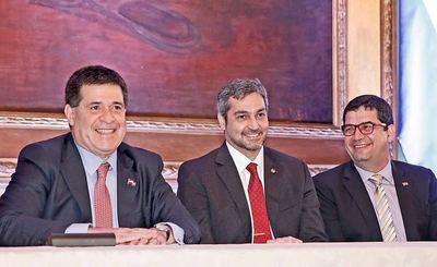 Ante rumores de pactos, la oposición pide que primero se enjuicie a Velázquez