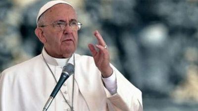 Papa Francisco pide paz para Paraguay y condena la violencia