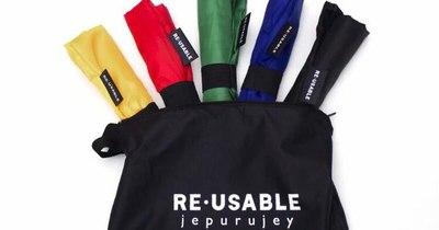 La Nación / Emprendedores LN: de la industria de la moda a la fabricación de coloridas bolsas ecoamigables