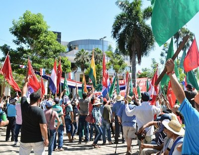 Crónica / Campesinos quieren desestabilizar y piden nueva condonación de deudas