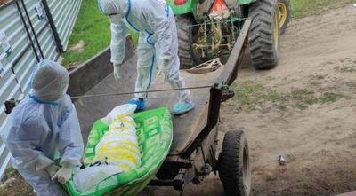 La imagen que no queríamos ver: así enterraron a un fallecido por COVID-19