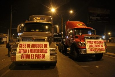Los transportistas amenazan con la huelga más grande en una década en Perú