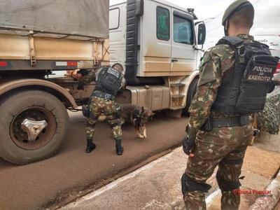 Ejercito del Brasil APRIETA control en la frontera con PARAGUAY