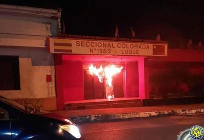 Incendiaron sede de una Seccional de Luque •