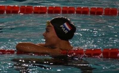 Luana Alonso establece récord nacional en 100 metros mariposa