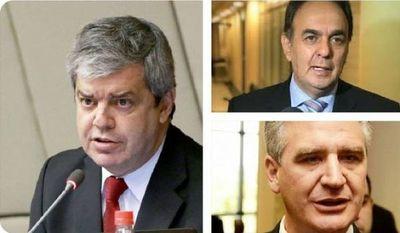 Tres senadores con Covid-19, dos internados y uno a la espera de cama