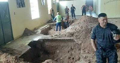 La Nación / Plan de fuga en Tacumbú: internos cavaron túnel en la iglesia del penal