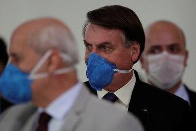"""""""Colapso"""": Brasil sufre la peor crisis sanitaria con hospitales saturados, récord de contagios y muertes diarias"""
