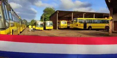 Choferes de transporte público en Encarnación van a huelga por mejores condiciones