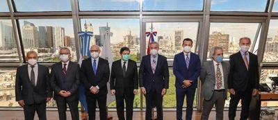 Paraguay ha Argentina omombarete fortalecerán la cooperación sanitaria