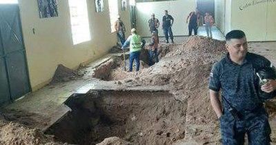 La Nación / Plan de fuga: Hallan túnel debajo de iglesia del penal