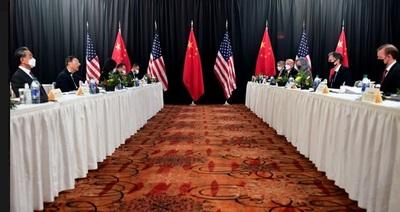 Tensión en alza: EE.UU. y China se cruzaron duramente con reproches mutuos