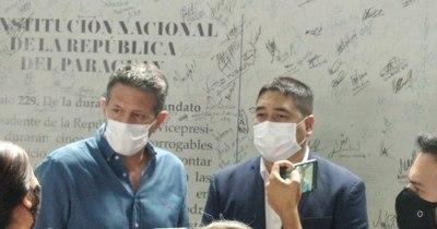 La Nación / Nakayama y Cortés anuncian candidatura única para la oposición en Asunción