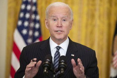 """Rusia a Biden:  """"Nada es más costoso que la enfermedad y... la estupidez"""""""