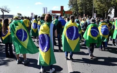 Brasil registró récord diario de contagios por Covid-19 al superar los 90.500