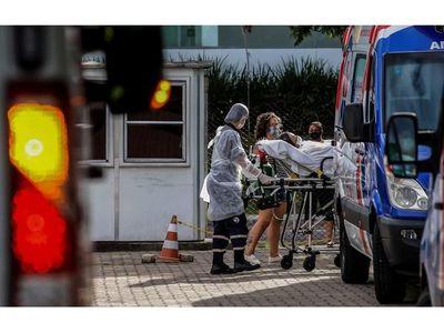 El coronavirus empieza a ensañarse con los más jóvenes en  el Brasil