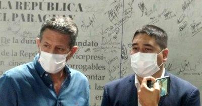 La Nación / Precandidatos buscan consenso