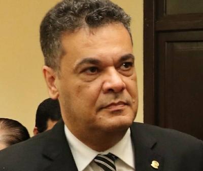 Sociedad de médicos defienden a médica acusada por negligencia – Prensa 5