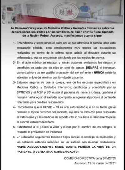 La Sociedad Paraguaya de Medicina Crítica defiende a la especialista en cuidados intensivos, Carmen Gauto.