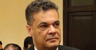 La Nación / Gremio médico defiende a colega acusada de negligencia en muerte de diputado Acevedo