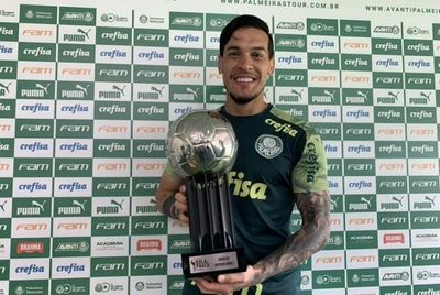 La conceptual respuesta de Gómez a una hincha de Palmeiras que se graduó