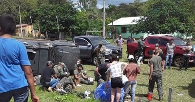 La Nación / Vehículo de la FTC volcó en la zona de Yby Yaú