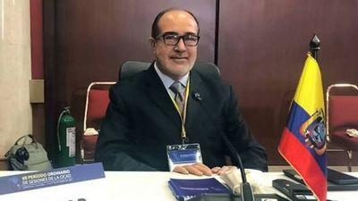 Renunció tercer ministro de salud de Ecuador, a 3 semanas de los comicios