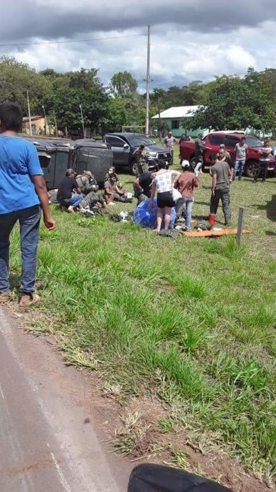 Vuelca camión militar en Yby Yaú y dos uniformados estarían graves