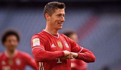 Triplete de Lewandowski y un nuevo triunfo del Bayern