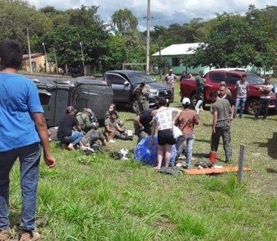 Crónica / (VIDEO) Militares de la FTC sufren accidente rutero en Yby Yaú