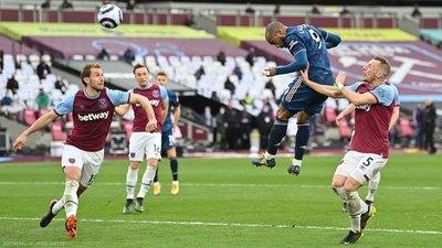 El West Ham de Balbuena dejó escapar una ventaja de tres goles y casi pierde