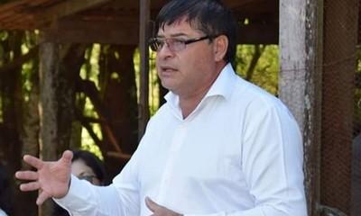 Digno Caballero incumplió indicación de Contrataciones y entregó licitación a oferta más cara para obra