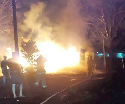Dos heridos al incendiarse una precaria casa de madera – Diario TNPRESS