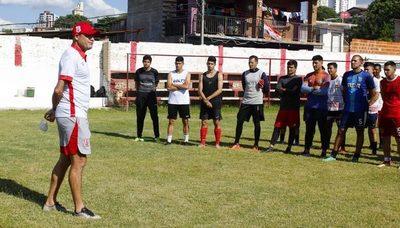'Torito' Bogado y el interminable Raúl Piris jugarán en la Tercera División